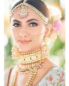 Nose rings have always been part of a traditional bridal look. Whether it's big or small, a nose ring on an Indian bride looks gorgeous. Check out these different types of bridal nose rings. Bridal Makeup Looks, Indian Bridal Makeup, Bride Makeup, Bridal Looks, Bridal Style, Indian Makeup Looks, Bridal Nose Ring, Bridal Hair, Nath Bridal