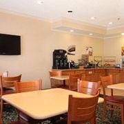 Fairfield Inn Breakfast Area / Waterloo, Iowa