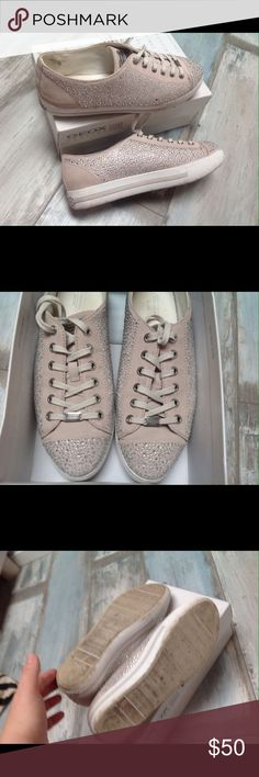 Coach sneakers Like new , wear 2-3 time :)) size9,5 - 10 no box Coach Shoes