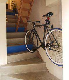 階段室や玄関にディスプレイ