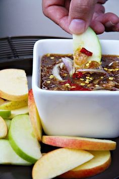 Nam-Pla Wan - Thai Sweet and Salty Fruit Dipping Sauce (น้ำปลาหวาน) - SheSimmers Thai Dipping Sauce, Thai Sauce, Spicy Sauce, Fish Sauce, Dipping Sauces, Thai Recipes, Asian Recipes, Cooking Recipes, Sour Fruit