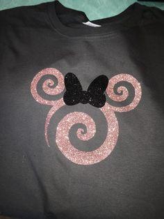 Disney Family Shirts MIckey Rose Gold Sparkle Ears - Awsome Shirts - Ideas of Awsome Shirts - Disney Tank top. Disney Shirts For Family, Shirts For Teens, Disney Diy, Cute Disney, Disney Familie, Rose Gold Minnie Ears, Disney Tank Tops, T Shirt Painting, Glitter Vinyl