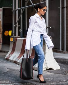 Lainy Hedaya @lainyhedaya outside @michaelkors SS17 New York Fashion Week September 2016  by #chrissmart  www.csmartfx.com  #NYFW #SS17 #StreetStyle #Fashion #FashionWeek #newyorkcity #nyfashionweek #moda #mode #ootd #fashionlook #womensfashion #beauty #nyc #nyfwSS17 #street #womenswear #chic #style #michaelkors