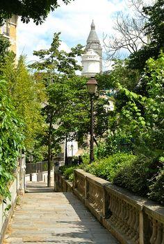 Montmartre Allée des Brouillards  de la rue Girardon à la rue Simon-Dereure Paris 75018