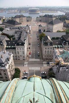 Marmorkirken, Amalienborg Slitsplace ( praça ), Amalienborg Slot ( palácio real) e Operaen (Ópera) - Copenhague