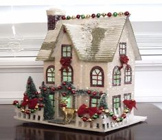 VINTAGE STYLE PUTZ CHRISTMAS VILLAGE HOUSE GLITTER TREES WREATH ...