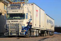 FOLLOW TRUCK PICTURES ON FACEBOOK <--- #truck #trucks #truckporn #trucking #trucking #trucker #truckdaily #truckloverz #scania #scaniatruck #scaniavabis #scaniav8 #V8 #daf #daftrucks #volvo #volvotrucks (- FOLLOW @teamscania -)