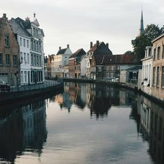 Such beautiful stillness captured in #Bruges by @miaxifo. #CESaround