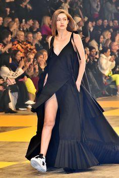 Estilo Gigi Hadid, Gigi Hadid And Zayn, Gigi Hadid Looks, Gigi Hadid Outfits, Gigi Hadid Style, Gigi Hadid Pregnant, Gigi Hadid Runway, Runway Fashion, Fashion Models