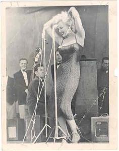 raw Marilyn entertaining