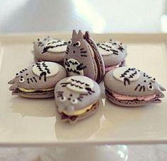 Totoro macaron https://www.pinterest.com/jennmeblonde/creative-food/