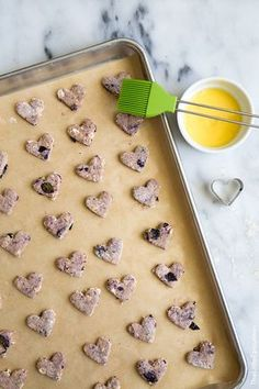 Source: The Little Epicurean Treat your dog extra special today with these heart shaped blueberry dog biscuits. Puppy Treats, Diy Dog Treats, Homemade Dog Treats, Healthy Dog Treats, Homemade Oatmeal, Dog Biscuit Recipes, Dog Treat Recipes, Dog Food Recipes, Dog Cookies