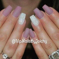 Simple pretty nails beauty beautiful matt natural nails some beauty Matte Nails Glitter, Glitter Accent Nails, Purple Nails, Gel Nail Art, Acrylic Nails, Nail Polish, Pretty Nails, Fun Nails, Ring Finger Nails