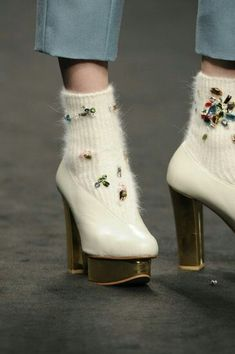 L A Y U H L - FW 2013/2014 | Platform white boots with embellishment