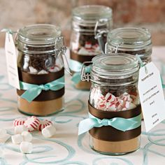 diy hot chocolate gifts - posted as bridal favors, but looks good for Christmas gifts Hot Chocolate Wedding Favors, Hot Chocolate In A Jar, Hot Chocolate Gifts, Chocolate Mix, Chocolate Party, Jar Gifts, Food Gifts, Gift Jars, Diy Holiday Gifts