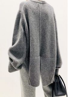 Knitwear Fashion, Knit Fashion, Womens Fashion, How To Purl Knit, Fashion Essentials, Minimalist Fashion, Everyday Fashion, Lounge Wear, Casual Outfits