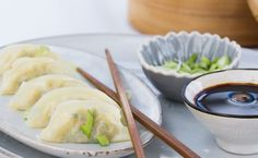 Who doesn't love ordering dumplings at a Chinese restaurant? But if you want to treat yourself or somebody else to them at home, we've got the perfect recipe to satisfy your craving. Steamed Dumplings, Chinese Dumplings, Dumpling Recipe, Sauce Chili, Sushi, Chinese Restaurant, Mets, Fruit And Veg, Perfect Food