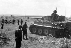 Bundesarchiv_Bild_101III-Groenert-019-21,_Schlacht_um_Kursk,_Panzer_VI_(Tiger_I)