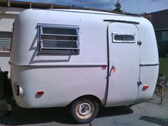 Boler Trailer (ca 1972)?  I really think this is a Scamp circa 1975... looks IDENTICAL to my Tank!