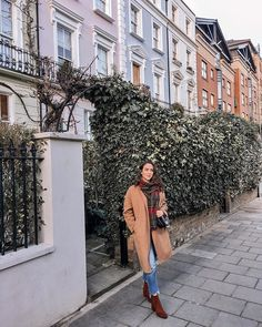 Last one from sunny London loved strolling around this pretty neighbourhood and had to stop at this ivy wall! Which area of London do you like the most? Ivy Wall, Winter Wardrobe, Fashion Bloggers, Sunnies, Winter Outfits, The Neighbourhood, Winter Fashion, Ootd, London
