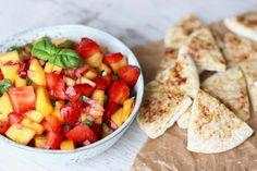 STRAWBERRY MANGO SALSA WITH BAKED CINNAMON SUGAR PITA BREAD » summer vibes :D {plant-based, vegan, gluten free}