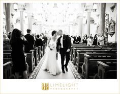 Sacred Heart Catholic Church, wedding, black and white, bride and groom,ceremony, Limelight Photography, www.stepintothelimelight.com