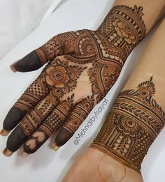 Image may contain: one or more people Latest Arabic Mehndi Designs, Rose Mehndi Designs, Mehndi Designs For Beginners, Mehndi Designs For Girls, Unique Mehndi Designs, Wedding Mehndi Designs, Mehndi Designs For Fingers, Beautiful Henna Designs, Latest Mehndi Designs