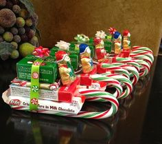 Easy Christmas Treats and Snacks for School Parties You'll Love – Diy christmas gifts - Agli - Easy homemade christmas gifts - Christmas Candy Crafts, Easy Homemade Christmas Gifts, Christmas Treats For Gifts, Christmas Party Food, Christmas Goodies, Simple Christmas, Holiday Treats, Christmas Tree, Christmas Ornaments