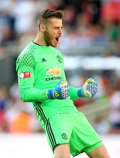 David De Gea of Manchester United celebrates after his sides second goal during The FA Community Shield match between Leicester City and… Manchester City, Manchester United Football, Man Utd Squad, Fa Community Shield, Soccer News, Nike Soccer, Soccer Cleats, Newcastle United Fc, Fc 1