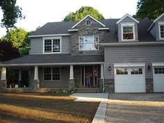 gray cement siding with white trim Grey Siding House, Dream House Exterior, Gray Siding, Siding Colors, Exterior Colors, Vinyl Siding, Cement Siding, Siding Options, Exterior Siding