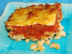 Geraldine s Ground Beef Casserole - This recipe came from a local church fund raising cook book. This recipe freezes well. Do not bake before freezing. Just put it together, freeze it, thaw it and cook. Casserole Dishes, Casserole Recipes, Meat Recipes, Dinner Recipes, Beef Dishes, Food Dishes, Main Dishes, Ground Beef Casserole, Soups