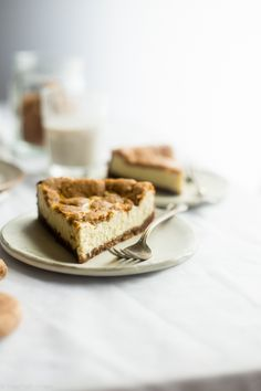 Gluten Free Snickerdoodle Greek Yogurt Cheesecake via @FoodFaithFit