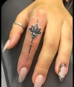 Finger tattoo designs, finger tattoos, all about time, fingers, tattoo Small Foot Tattoos, Small Finger Tattoos, Finger Tattoo Designs, Small Tattoos With Meaning, Small Tattoos For Guys, Finger Tats, Finger Tattoo For Women, Wrist Tattoos For Women, Tattoo Designs For Women