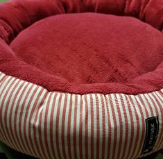 Der Phantasie sind keine Grenzen gesetzt.... Decor, Dog Couch, Dog Accessories, Animales, Decoration, Decorating, Deco