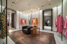 Valentino Standalone Store in Riyadh Valentino Store, Showroom, Catwalk Design, Retail Interior Design, Living Room Entertainment Center, Shops, Facade Design, Retail Space, Retail Shop