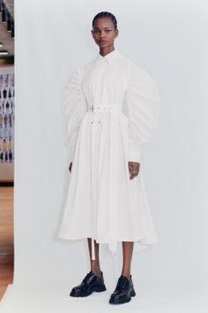 Alexander Mcqueen, Crombie Coat, Vogue Paris, Pique Shirt, Poplin Dress, Vogue Russia, Spice Girls, Catwalks, Fashion Show Collection