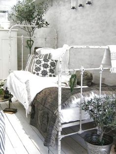 @ Sally farber daybed lounge area - for your spate bedroom! lovely!