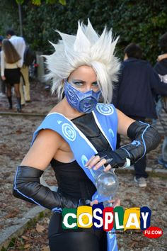 Frost Cosplay from Mortal Kombat in LUCCA COMICS AND GAMES 2012 Italy