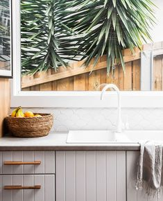 Welcome to a new world of bathrooms & interiors. Kitchen Inspiration Design, Bathroom Interior, Kitchen Renovation, Open Plan Kitchen Living Room, Home Decor Kitchen, Kitchen Interior, Kitchen Mixer, Beautiful Kitchens, Kitchen Style