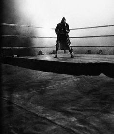 Raging Bull (1980)  An emotionally self-destructive boxer's journey through life, as the violence and temper that leads him to the top in the ring, destroys his life outside it. (129 mins.) Director: Martin Scorsese Stars: Robert De Niro, Cathy Moriarty, Joe Pesci, Frank Vincent