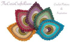 Free Crochet Pattern in English & Dutch: French Mini Peacock Feather Chat Crochet, Crochet Motifs, Freeform Crochet, Crochet Squares, Crochet Blanket Patterns, Irish Crochet, Crochet Crafts, Crochet Yarn, Crochet Stitches