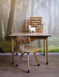 #Retro #schoolsetje van #hout, #stoel en #tafel, #vintage #lessenaar