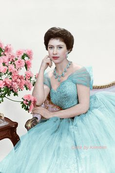 Princess Margaret, 1958 the younger sister of Queen Elizabeth II. Princesa Margaret, Princesa Diana, Margaret Rose, English Royal Family, British Royal Families, Royal Princess, Reine Victoria, Queen Victoria, Mode Chanel