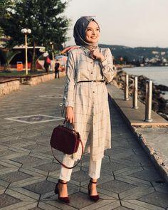 8 bureau look hijab chic. Modern Hijab Fashion, Muslim Fashion, Modest Fashion, Fashion Outfits, Hijab Outfit, Hijab Dress, Dress Skirt, Hijab Chic, Muslim Girls