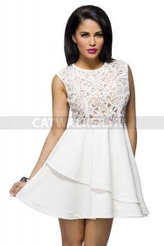 Alkalmi ruha, horgolt csipkével - fehér