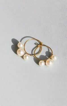 Saskia Diez - 3 Pearls Hoops   Pinterest: Natalia Escaño