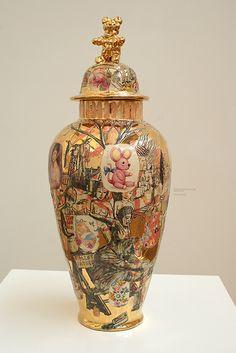 Ceramic Clay, Ceramic Pottery, Pottery Art, Grayson Perry, English Artists, China Art, Pop Surrealism, Modern Ceramics, Artist At Work