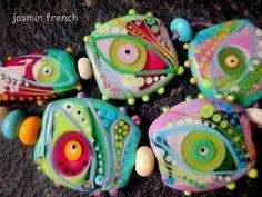 jasmin french      'in a raspberry shrub'    lampwork beads set sra