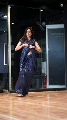 Bollywood Wedding, Bollywood Girls, Bollywood Saree, Saree Wedding, Bollywood Fashion, Lace Gown Styles, Saree Styles, Trendy Sarees, Stylish Sarees