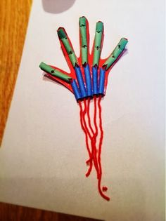 Human Body: Muscles - pull the string to make the fingers flex